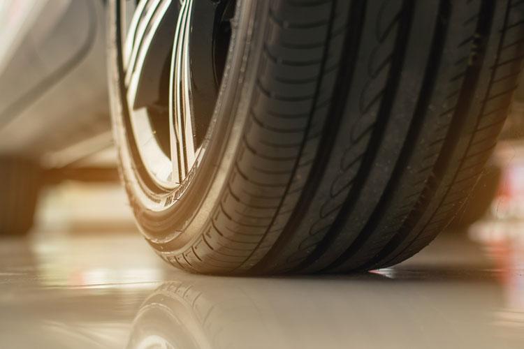 close-up-premium-tires-watv